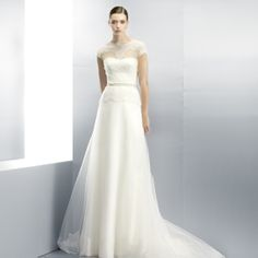 EstudioEspana    Haute couture - bridal gown for romantic brides! #weddingdress