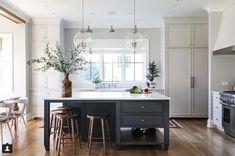 Modern Kitchen Interior Park and Oak kitchen - White Interior Design, Interior Design Kitchen, Home Decor Kitchen, New Kitchen, Kitchen Ideas, Decorating Kitchen, Updated Kitchen, Kitchen Time, Decorating Games