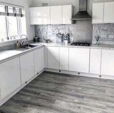 Kitchen Room Design, Diy Kitchen, Kitchen Cabinets, Kitchen Designs, Kitchen Decor, Grey Kitchens, Home Kitchens, Dream Apartment, Cottage Living