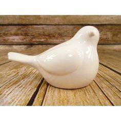 Ptaszek z ceramiki to okazała dekoracja na stoły meble lub do ogrodu. Z zewnątrz szkliwiona ceramika nadaje połyskliwą poświatę w celu podniesienia wartości estetycznej. Ptaszek wykonany jest z ceramiki i może być wykorzystane również jako artykuł dekoracyjny do kompozycji wiosennych lub wielkanocnych.