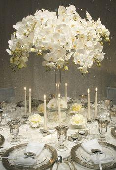 Addobbi bianchi per il ricevimento. Eleganti e classici. White on white dinner party