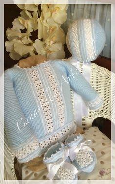 CANASTILLA ARTESANAL: Modelo 7, la elegancia y la sencillez Baby Socks, Baby Hats, Baby Baskets, Bebe Baby, Cute Baby Clothes, Crochet For Kids, Beautiful Crochet, Baby Accessories, Kind Mode