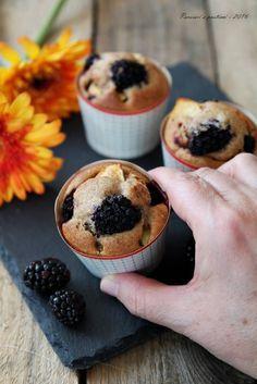 Muffins integrali alle mele e more