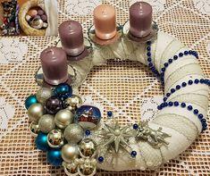 Újrahasznosítás - alkotni - gyönyörködni :-) Ünnepre hangolva. Ornament Wreath, Ornaments, Advent, Wreaths, Diy, Decor, Decoration, Door Wreaths, Bricolage
