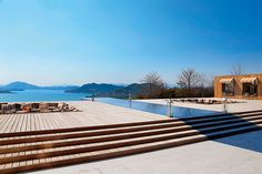 「ベラビスタ境ガ浜」という別世界で 瀬戸内海の絶景と極上の料理を堪能  フェラーリで駆け抜ける 尾道から鞆の浦への旅 CREA WEB(クレア ウェブ)