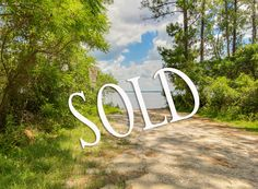 Happy to represent another happy seller in Point Washington!! Can't wait to see the beautiful home that will be built this next year on Summer Breeze. #realestate #30A #land #lots #homes #beach #beachhome #beachlife #sellers #buyers #PtWashington #SantaRosaBeach #lovelife #livehappy #lovewhereyoulive  Looking to buy or sell your home, condo, land, or investment property? Give me a call! I'll be happy to help you with all your real estate needs.  www.juliepruitt.kwrealty.com