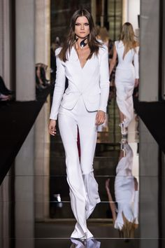 Look 6 - #AtelierVersace Spring/Summer 2015 fashion show. #Versace #InsideAtelierVersace