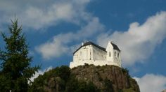 Az újjáépített füzéri vár Hungary, Mansions, House Styles, Travel, Home, Decor, Viajes, Decoration, Manor Houses
