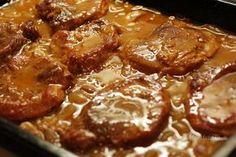 Pork shoulder on onions No Salt Recipes, Pork Recipes, Easy Cooking, Cooking Recipes, Ukrainian Recipes, Czech Recipes, Good Food, Yummy Food, Pork Dishes
