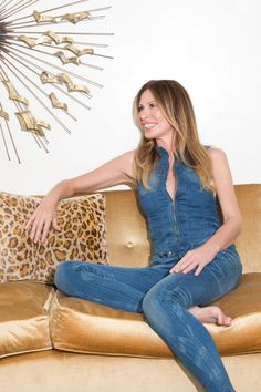 Carole Radziwill on Age, Diet, Skincare, and Dating - Real Housewife of New York Carole Radziwill Housewives Of New York, Real Housewives, Dating In New York, Carole Radziwill, Street Look, High Society, Chambray, Style Icons, Bell Bottom Jeans