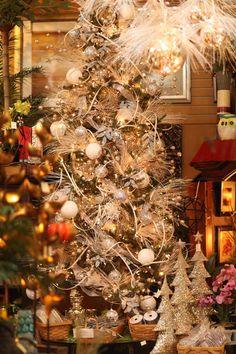 gorgeous white Christmas tree decor / decorations / ornaments  Like us on Facebook:  https://www.facebook.com/EvergreenAtTheLake/app_161683100556760