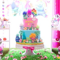 Just Dance!! Check out all 38 fun Trolls birthday party photos from @stylethemoment by clicking our bio link! ⠀⠀ ⠀ #catchmyparty #partyideas #hbd #happybirthday #cute #beautiful #birthdaypoppers #banners #5thbirthday #Trolls #rainbow #cupcakes #cakepops #tablescape #cakedesign #party #events #balloons #itsaparty #partyplanning #partystyle #twitter #truecolors #fun #follow #desserttable #linkinbio #movie #rainbowhairs⠀ ⠀ https://buff.ly/2vRwAIe