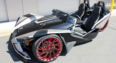 "Polaris Slingshot Looks Like A Transformer On 22"" Custom Wheels"