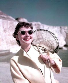 Audrey Hepburn in cateye sunglasses