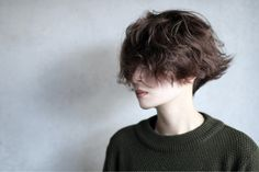 Girl Short Hair, Short Curly Hair, Short Hair Cuts, Curly Hair Styles, Tomboy Hairstyles, Cool Hairstyles, Hair Inspo, Hair Inspiration, Androgynous Hair
