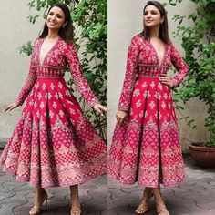 The pressure is on, to see who has the best diwali look.Let Bollywood (and us) help you out, with our style editor's top six, celeb style Diwali look picks. Indian Gowns, Indian Attire, Indian Wear, Designer Party Wear Dresses, Indian Designer Outfits, Indian Wedding Outfits, Indian Outfits, Diwali Dresses, Mehendi Outfits
