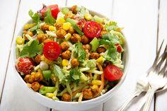 Southwestern-Salad-with-Crispy-Chickpeas