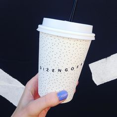 Ура! Кофе в любимом @dizengof99 теперь можно взять с собой #кофе#coffee#coffeetime#takeawaycoffee#dizengoff#ig_today#moscow#tlv#telaviv by yuliakassssss