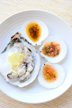 kastmed austritele / 3 sauces for fresh oysters