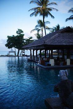 Intercontinental resort at Jimbaran Bay in Bali, Indonesia (by yuuukiii).