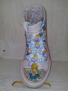 We sell customized kids shoes