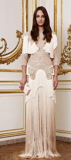 Givenchy Fall 2010 Couture - Runway Photos - Fashion Week - Runway, Fashion Shows and Collections - Vogue Couture Mode, Couture Fashion, Fashion Show, Fashion Design, High Fashion, Runway Fashion, Fashion Ideas, Ellie Saab, Fashion Week Paris