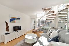 An very unique one bedroom house available for both long and short term rental in the heart of Knightsbridge.