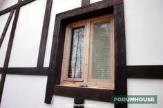 Фасад под фахверк - что это такое, подходящие материалы и технология создания. Участники портала делятся опытом. Natural Homes, Cottage Style, Cabin, Windows, Container Homes, Mirror, Luxury, Tudor, Frame