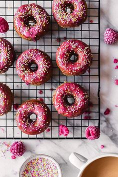 Just in time for May celebrations: fluffy and soft vegan white chocolate cardamom donuts with a delicious white chocolate raspberry frosting! Vegan White Chocolate, Melting White Chocolate, White Chocolate Raspberry, Chocolate Donuts, Donut Recipes, Almond Recipes, Vegan Recipes, Raspberry Frosting, Cupcakes