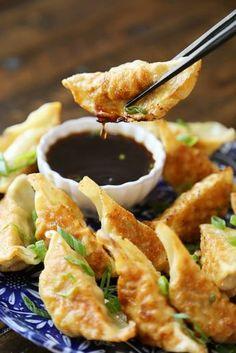 Easy Asian Dumplings with Soy-Ginger Dipping Sauce - Crispy, tender steamed p. Dumpling Dipping Sauce, Dumpling Recipe, Potsticker Dipping Sauce, Asian Dipping Sauces, Thai Dipping Sauce, Sauce Recipes, Cooking Recipes, Copycat Recipes, Cooking Tips