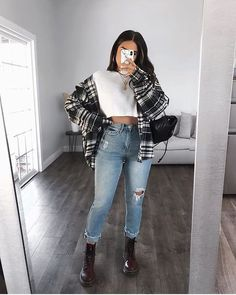 Trendy Fall Outfits, Cute Comfy Outfits, Edgy Outfits, Winter Fashion Outfits, Pretty Outfits, Mode Lookbook, Winter Looks, Dr. Martens, Aesthetic Clothes