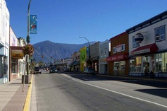 Creston, BC ... Main Street.....Shenda.....totally remember this!! :) ♡
