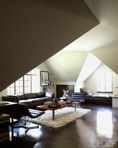 Eric and Holly Montgomery's home in the Berkshires. Interior design by Paul Fortune. Styled by Anita Sarsidi. Photograph by William Abranowicz for Elle Decor May 2012