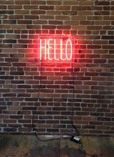 'HELLO' Neon sign : The Mintlist
