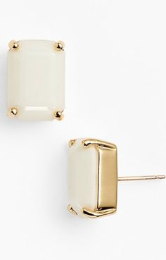 cute white studs http://rstyle.me/n/wwdzzr9te