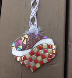 Pink & red checker mosaic ornament - Glass Needle Works Mirror Mosaic, Mosaic Diy, Mosaic Crafts, Mosaic Glass, Mosaic Tiles, Stained Glass, Mirror Ornaments, Fused Glass Ornaments, Xmas Ornaments