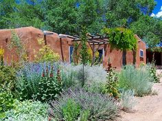 Canyon Road Adobe Home - Santa Fe, New Mexico New Mexico Style, New Mexico Homes, Mexico House, Southwestern Home, Southwest Style, Adobe Haus, Mexican Garden, New Mexico Santa Fe, Santa Fe Home