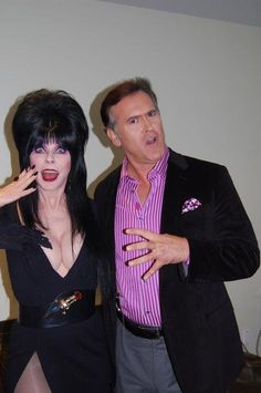 Elvira and Bruce Cambell....Together..in one picture....Can't handle the awesome!