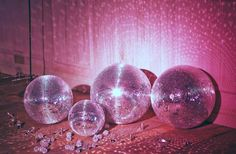 Welcome to the disco! In the midst of the grind it's always a bit of fun. Check out a few photos inspired by the disco era… Studio 54, Kitsch, Malboro, Retro, The Wombats, Catty Noir, Everything Pink, Color Rosa, All That Glitters