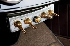 1930-ford-roadster-interior-switches-dash.jpg (2048×1340)