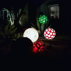 random on the ground for the holidays, inspired by . Christmas Balls, Christmas Ideas, Christmas Thoughts, Solo Cup, Yard Art, Shot Glass, Coffee Cups, Sparkle, Display