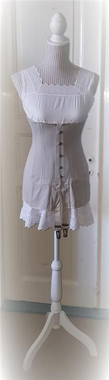 """Annons på Tradera: Antique Gray """"Selfridge"""" Edwardian Corset made early 1900 Not used From stock 62"""