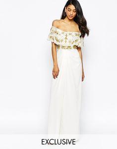 Vestido largo adornado con hombros descubiertos y abertura al muslo Tiffany de Virgos Lounge