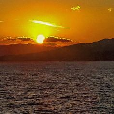 Instagram Repost : #Repost+Thanks!  @francescventura ・・・ Instagram Repost : Buen finde a tod@s. #unlimitedsunset #ig_sunset #ig.world.photo #total_rural #total_cielos #total_meteo #total_mediterraneo #total_sky #total_sunset #total_spain #total_catalunya #raconsde_girona #ok_catalunya #palamosonline @palamosonline
