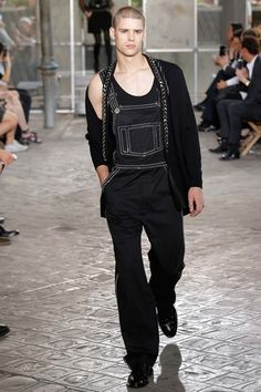See the complete Givenchy Spring 2016 Menswear collection.