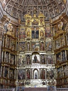 Cathedral Architecture, Religious Architecture, Amazing Architecture, Catholic Altar, Granada Spain, Cathedral Church, Old Churches, Spain And Portugal, Place Of Worship