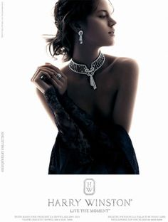 Idealistically elegant list of photos of Harry Winston. Harry Winston was an American jeweler Jewelry Ads, Jewelry Model, Photo Jewelry, Cute Jewelry, Dainty Jewelry, Jewelry Quotes, Flower Jewelry, Jewelry Stand, High Jewelry
