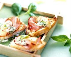 Toasts au bleu et au bacon