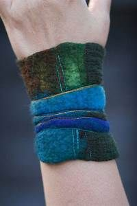 84 best Needle Felt Jewelry images on Pinterest | Jewelry, Brooches and Felted wool