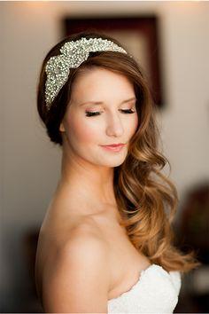 Bridal Beauty via StyleUnveiled.com / McCune Photography / Peach and Gold Wedding Ideas